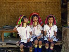 Long neck girls, Paduang tribe, Mae Hong Son in Thailand, Southeast Asia, Asia