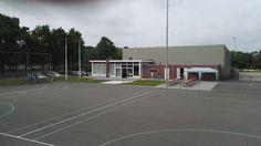 Aangebouwd tegen een bestaande sporthal. Clubhuis handbalvereniging in Bunnik.