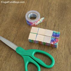 How to Make a Duct Tape Endless Cube - Frugal Fun For Boys and Girls - Craft Vbs Crafts, Camping Crafts, Diy And Crafts, Teen Crafts, Diy Fidget Toys, Fidget Tools, Cool Art Projects, Craft Projects For Kids, Craft Ideas