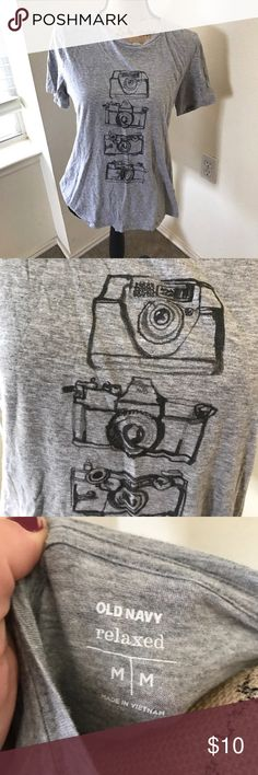 Relaxed Photography Graphic Tee Re-posh. EUC. Relaxed graphic tee with camera print. Old Navy Tops Tees - Short Sleeve