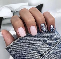 A misconception that beautiful manicure can only be on long nails. We have collected a selection of design ideas for a spectacular manicure. New Year's Nails, Love Nails, Fun Nails, Hair And Nails, S And S Nails, New Years Nail Designs, Short Nail Designs, Light Pink Nails, Pink Nail Art