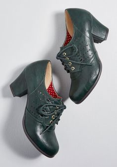 1940s Vintage Style Shoes, Vintage Inspired Shoes Green Oxfords $69.00 AT vintagedancer.com