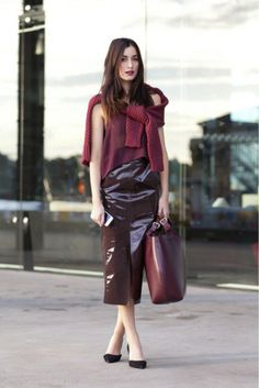 Loving shades of maroon here // Leather midi skirt