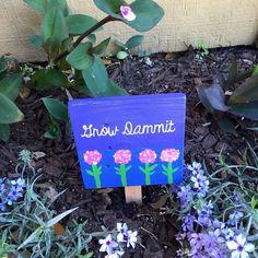 Grow Dammit hand painted garden sign #texasrusticwooddecor #growdammit #palletwood #palletsign #handpainted #hydrangea #purple #gardensign #gardening