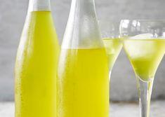 Appelsinlikør | Meny.dk Cocktail Drinks, Cold Drinks, Alcoholic Drinks, Beverages, Cocktails, Vodka Shots, Danish Food, Spiritus, Home Brewing