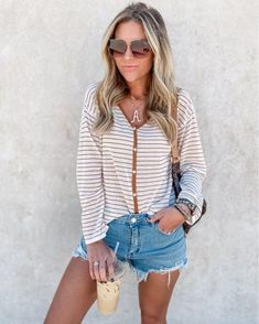 Posts from ashleeknichols | LIKEtoKNOW.it Mom Outfits, Stylish Outfits, Fashion Group, Blogger Style, We Wear, Mom Style, Outfit Posts, Affordable Fashion, Fashion Bloggers