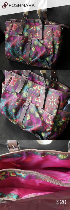 Lily Bloom Tote Bag Never used, received as a gift! This cute bag is light and has enough pockets to organize everything you need to carry daily. Lily Bloom Bags Totes
