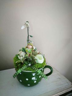 Home Crafts, Fun Crafts, Diy And Crafts, Teacup Crafts, April Easter, Diy Easter Decorations, Christmas Deco, Summer Wreath, Topiary