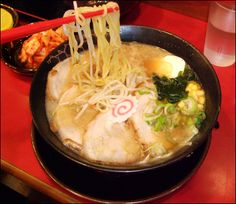 I wish that i can eat ramen in my birthday party!!! its sooooo attractive in anime~~~~~