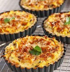 Baking/Leivonta: Beet root and cheese pie/Juuresjuustopiiraat Pizza Nachos, Savory Pastry, Cheese Pies, Salty Snacks, Quiche, Baking Recipes, Food And Drink, Vegetarian, Eat