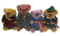 the Homespun gang... tattery antiqued style miniature stick bears.