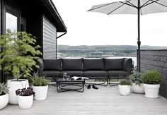 SPONSORED POST Dear reader, let me introduce you to ygg&lyng! A Norwegian furniture company that you might not have heard of yet but that d...
