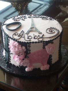 Paris theme cake photo by Angel cake26 from Flickr at Lurvely
