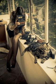 Jane loves her cat.......