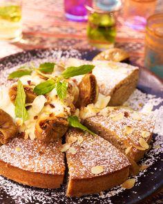 Vijgencake met honingcrème en geroosterde amandelen