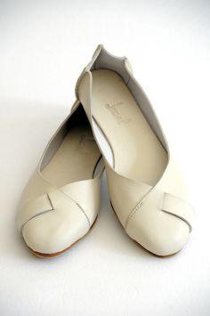 Handmade Leather Ballet Flats in cream~~~