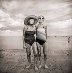 me and my BFF in 50 years! Bikini Rouge, Wow Photo, Photo Vintage, Vintage Photos, Old Age, Aged To Perfection, Young At Heart, Bathing Beauties, Aging Gracefully