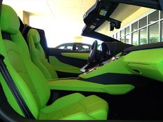 2014 Lamborghini Aventador LP 700-4 Roadster - Photo 19 - Naples, FL 34104 lamborghini lime green and black interior acid