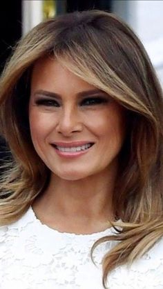 First Lady Melania Trump, First Lady Melania Trump, Trump Melania, Milania Trump Hair, Melania Knauss Trump, Trump Picture, Malania Trump, Donald And Melania, American Pride, Hair Highlights