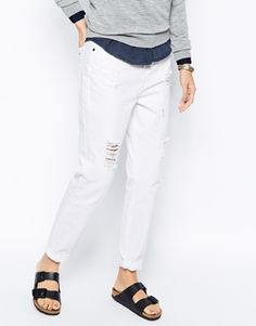 Enlarge Selected Vinna Boyfriend Jeans with Rips