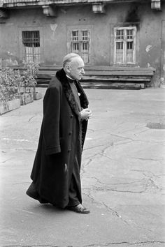 October Jozsef MINDSZENTY, after his release from prison. Under Hugarian Communism, Protestants, Catholics and Jews were fairly free to exercise their religion but leaders of the Christian churches were persecuted. Eugene Richards, Helen Levitt, Robert Frank, Vivian Maier, Photographer Portfolio, Christian Church, Magnum Photos, Budapest Hungary, Soviet Union