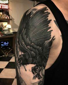 Tattoo done by: @gara_tattooer #raven #raventattoo #cuervo