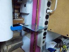 Height Adjustable Shop Light / Lampe d'atelier de hauteur ajustable Shop Lighting, Woodworking Tips, Diy Welder, Carpentry