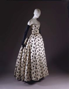 """Odette"" by Dior, fall/winter 1953-54. The Met Museum"