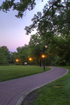 Travel | Illinois | Attractions | USA | Things To Do | Outdoor | Adventure | Scenic Spots | Beautiful Places | Day Trips | Places To Visit | Bucket List | Summer Fun | Riverwalk | Naperville Riverwalk | Small Towns | Waterfront | Trails | Hiking | Scenic Hikes | Easy Hikes | Family Fun | Man Made Wonders | Downtown | Hidden Gems