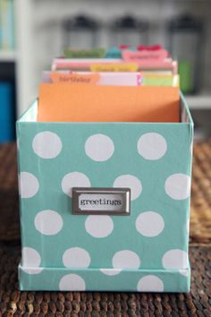 Card organization:  IHeart Organizing: Labeling 101: Label Holders
