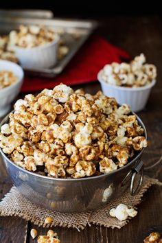 No-Bake Salted Caramel Popcorn - A quick and easy treat that will literally melt in your mouth. | Savorystyle.com (Easy Bake Goods)