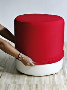 Fodera Pouf Rossa Lycra 100% Vari Colori Creativando | Coquelicot Design Fodera in tinta unita realizzata in lycra 100% e lavabile a mano o in lavatrice. Disponibile in vari colori. Abbinabile con l'articolo POUF.