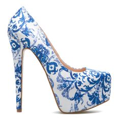 LOVE at fist sight, my favorite print in my favorite color, on my favorite things, shoes