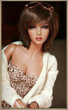 beautiful Asa Love the hair (RM) Beautiful Barbie Dolls, Pretty Dolls, Cute Dolls, Chic Chic, Fashion Royalty Dolls, Fashion Dolls, Diva Dolls, Dolls Dolls, Glamour Dolls