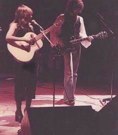 Aw, 5'1 Stevie and her guitar