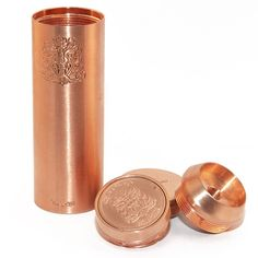 This top quality copper Chiyou Megan by Tobeco is a gorgeous piece. This mod is pure copper and handling it will put a natural patina on it, or you can apply your own patina for a one of a kind look!