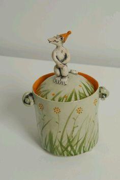 Meerkat Box, Laurance Simon