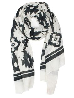 cant wait to wear tons and tons of scarves this fall/winter season! hopefully it's actually cold.