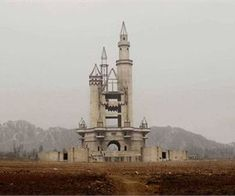 This abandoned Chinese Disneyland was intended to be the largest theme park in the country, but now sits in ghostly ruins. Natural Beauty Recipes, Life Changing Books, Natural Homes, Homemade Cleaning Products, Natural Home Remedies, Disneyland, Abandoned, Creepy, Hair Cuts