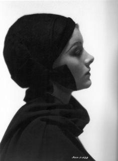 Myrna Loy, 1930s  -viavintagewinnie