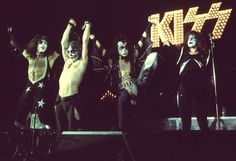 An Inside Look At The Bewildering Life Of Legendary Rocker Eddie Van Halen Rock Anthems, Perfect Kiss, Peter Criss, Kiss Pictures, Paul Stanley, Kiss Band, Eddie Van Halen, Ace Frehley, Gene Simmons