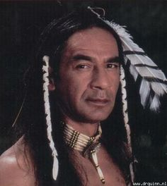 Larry Sellers played Cloud Dancing in the TV show Dr. Larry is of Osage, Cherokee, Lakota heritage and was born in Pawhuska, Oklahoma Love Cloud Dancing! Native American Actors, Native American Cherokee, Native American Pictures, Native American Beauty, Native American History, American Indians, Boho Gypsy, Dr Quinn, Inka