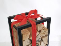This firewood rack is perfect present for someone who has everything, like my father in law. pechlatdesign.cz