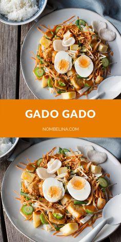 Gado gado, een Indonesisch groenten gerecht. #recept #koken #pindasaus #aziatisch Amish Recipes, Italian Recipes, Great Recipes, Dutch Recipes, Gado Gado, Vegetarian Recipes, Healthy Recipes, Feel Good Food, Malaysian Food