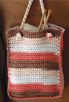 Free Crochet Pattern   Crocheted Tote with Knotted Handle