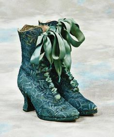 The perfect boots for visiting the local apothecary or for cackling with a few friends in the woods.