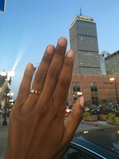 Cartier love ring & Prudential tower. Boston, Newbury st 🚦 #cartierlove #prudential #boston #cartierlovering