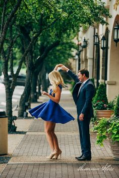 Engagement photo idea dancing twirling