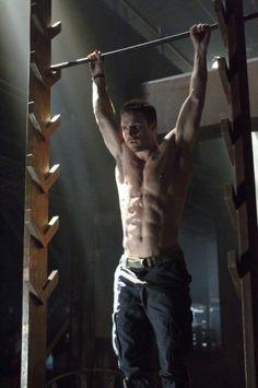 American Ninja Warrior Workout and Shirtless Guy Stephen Amell