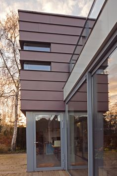 Private house, Utrecht (Netherlands) by Koemans Clemens  #pigmento #red #zinc…